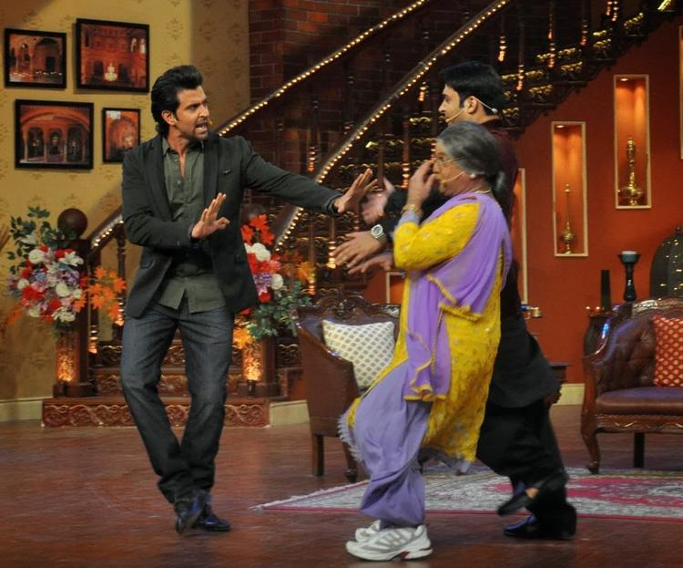 Hrithik Fun With Kapil And Dadi During The Krrish 3 Promotion At Comedy Nights With Kapil