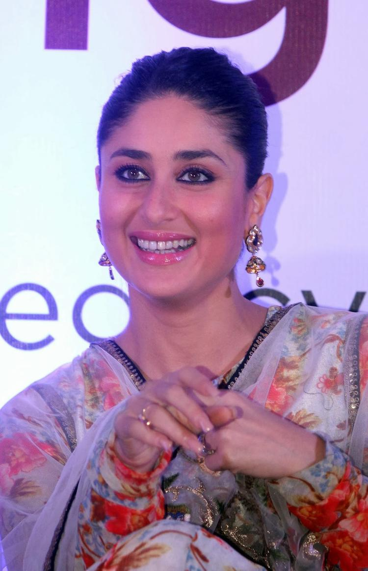 Kareena Smiling At The Launch Of Malabar Gold And Diamond Diwali Collection