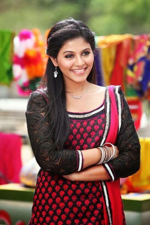 Anjali Sweet Smiling Face Still In Telugu Movie Masala Masala