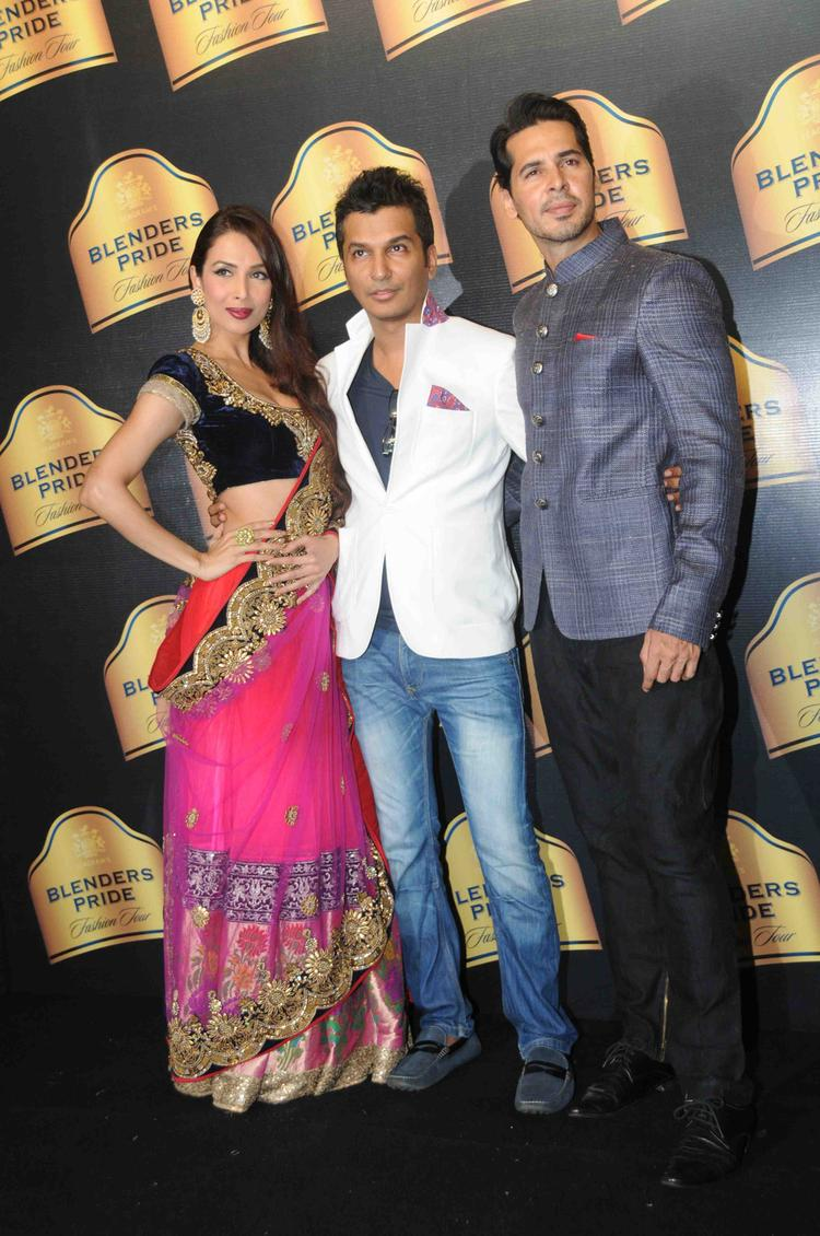 Malaika And Deno Pose With Fashion Designer Vikram Phadnis At BPFT In Mumbai Day 2 Event