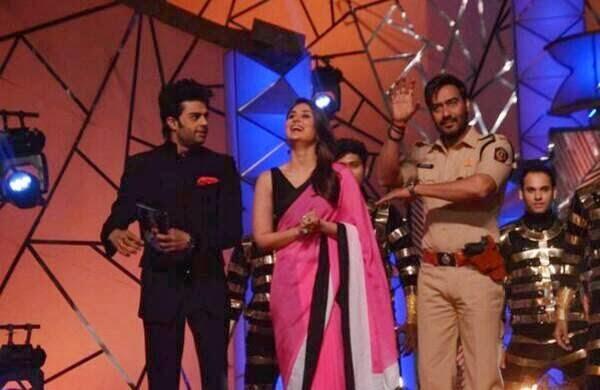 Ajay,Kareena And Manish On The Stage Of  Umang Police Show 2014