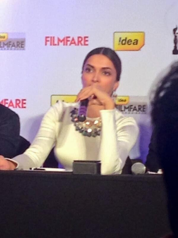 Deepika And Farhan Unveil The Idea Filmfare Awards Special Issue