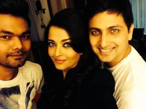 Aishwarya Rai Bachchan Strikes A Gorgeous Pose Photo Stlls