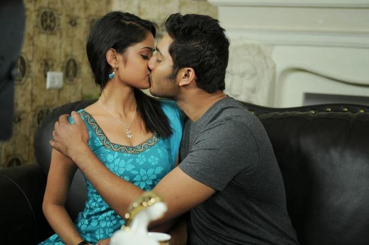 2 Indian girls kissing