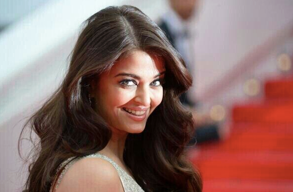 Aishwarya Looks Stunning Ath The Search' Premiere During The 67th Cannes Film Festival