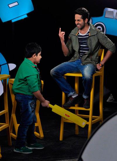 Ayushmann And Sadhil Captain Tiao Disney Show Full Gossip Still