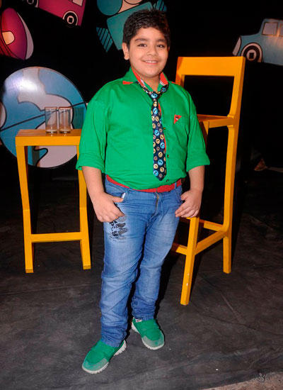 Host Sadhil Strikes A Smiling Pose On The Sets Of Captain Tiao Disney Show