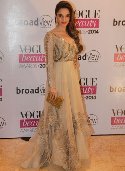 Kiara Advani Flaunts Her Hair For Camera At Vogue Beauty Awards 2014