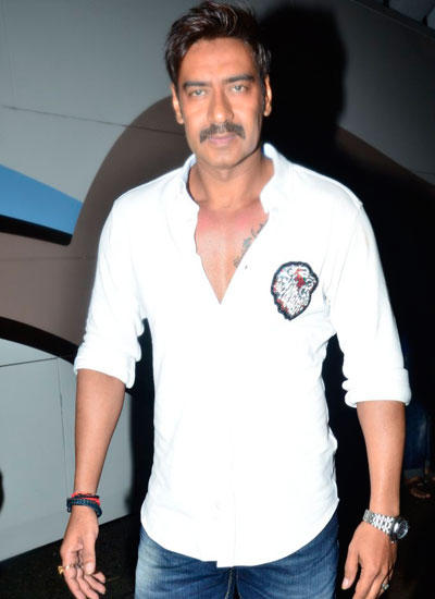 Ajay Devgan Dashing Look On The Sets Of CNWK During The Promotion Of Singham Returns