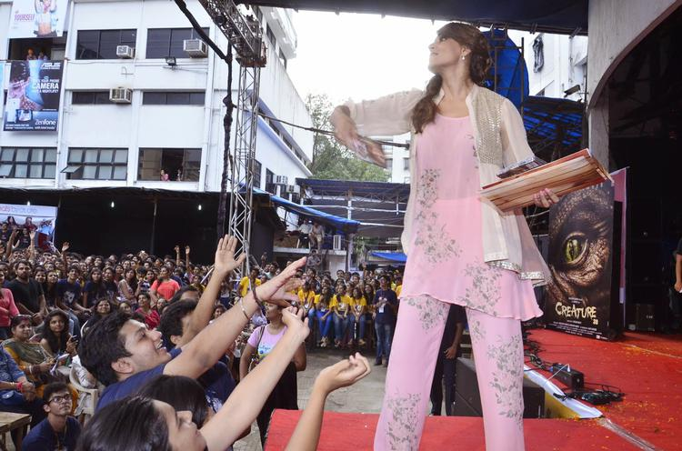 Bipasha Basu Distributed Audio CD's To Her Fans At  Mithibai College Fest