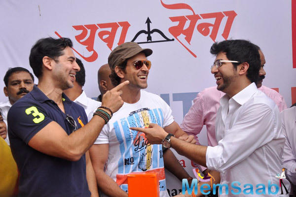 Dino Morea,Hrithik Roshan And Aditya Thackeray Cool Gossip During The Launch Of Dino Morea 10th Fitness Station