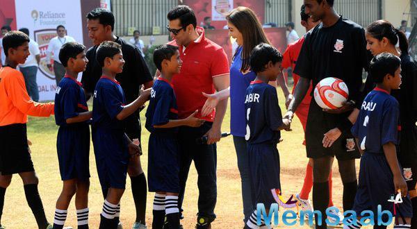 Salman and Nita Shake Hand With Cute Football Player And Encourage Them