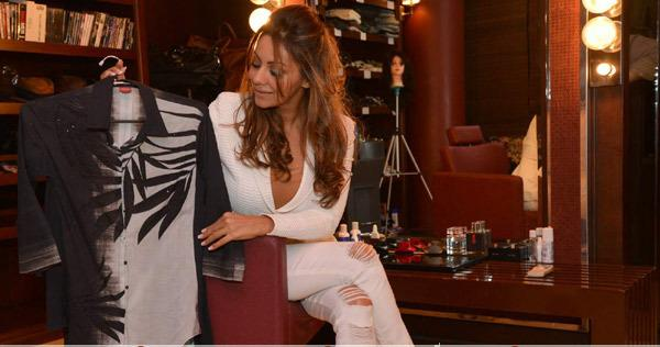 Gauri Khan Is Seen Here Going Over The Summer-Resort Collection