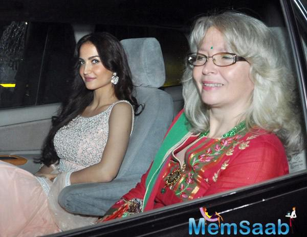 Elli Avram Spotted At Galaxy Apartments For Visit Lord Ganesh