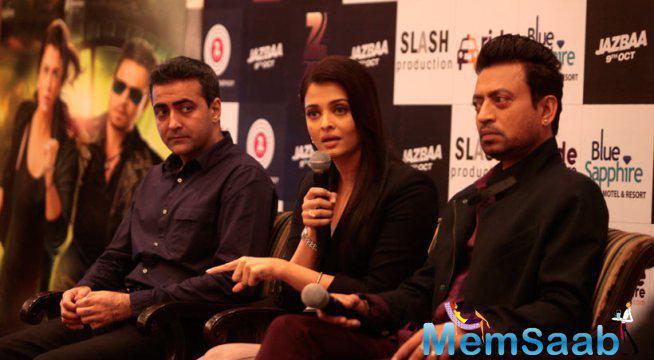Aish And Irrfan Promote Jazbaa In Delhi