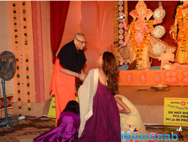 The three were snapped lighting diya and seeking blessing from the goddess. Durga Puja is one of the most popular festivals in India