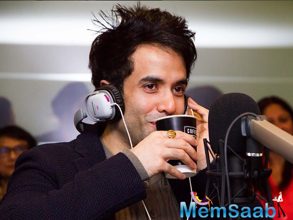Adorable pic of Tusshar Kapoor with his baby Laksshya