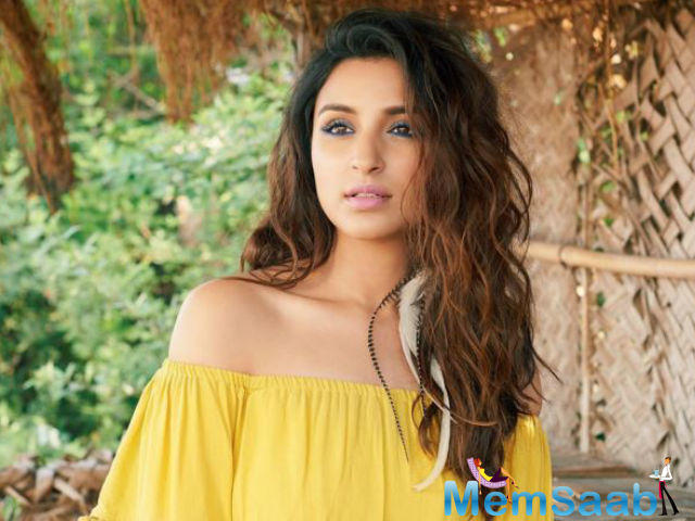 Parineeti had taken a happy chance to get a sexy and svelte figure, which she certainly accomplished.