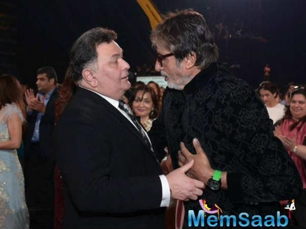 Here is pic where Amitabh Bachchan and Rishi Kapoor's look from their upcoming movie.