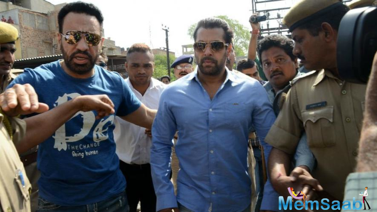 Mumbai Police beefs up security around Salman Khan