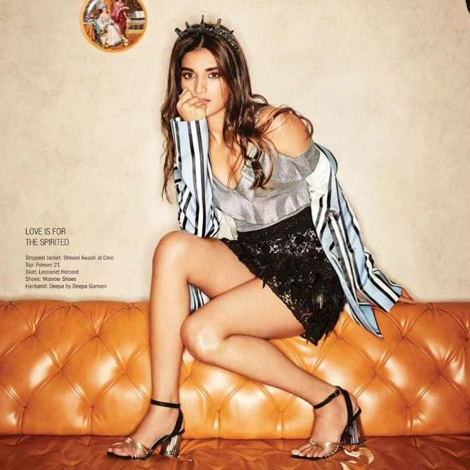 Sharing pictures of her sultry photoshoots, the young actress sets the mercury rising with her oozing hotness.