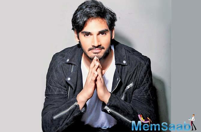 Suniel Shetty's Son Ahan Shetty all set to make his Bollywood debut with Telugu film RX 100's remake.