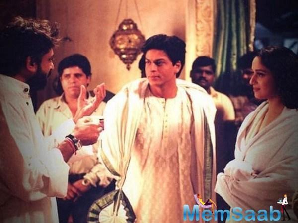 While the click was enough to make fans nostalgic, Chandramukhi (Madhuri) and Devdas (Shahrukh Khan) seemed incomplete without their Paro (Aishwarya Rai Bachchan).