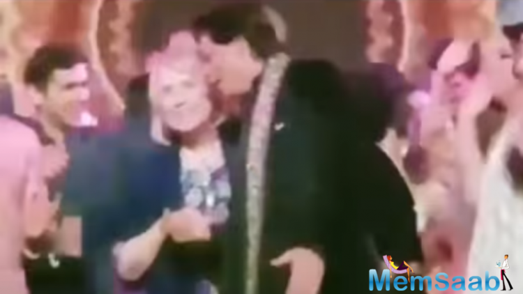 Isha Ambani pre-wedding bash: Hillary Clinton grooves to Bollywood numbers with SRK!