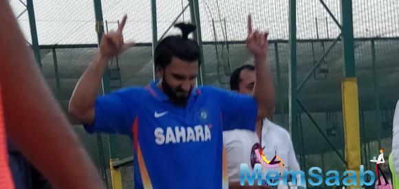 Ranveer Singh snapped in his '83 gear net practicing to be Kapil Dev