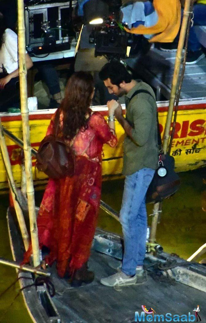 Alia Bhatt and Ranbir Kapoor take a boat ride on the sets of Brahmastra; here are the pics