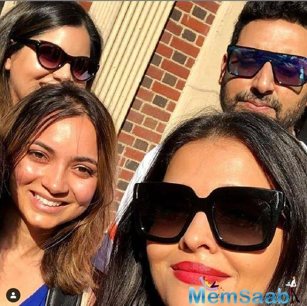 Recently, two of the fans met Aishwarya and Abhishek. Seeing their favourite stars, fans could not resist and click a selfie with them.