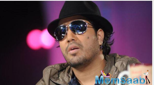 Singer Mika Singh on Wednesday engaged in an argument with a journalist in the press conference where the ban on the singer was revoked.