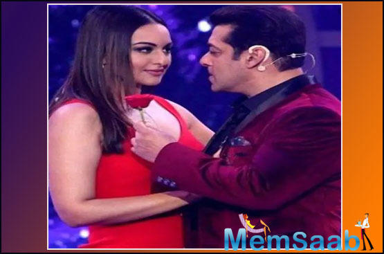 """In the clip, he introduces Sonakshi as his """"Super sexy Mrs"""" and goes on to say, """"Abhi bhi hamari Habibi."""""""
