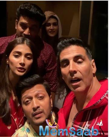Just before the release of Housefull 4 the makers hosted a special Pyjama party screening for the entire cast and their families.