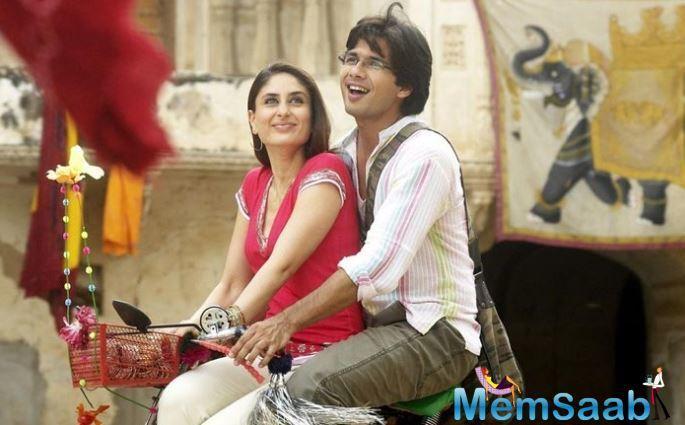 After 'Jab We Met', Kareena moved on to shooting her next film, 'Tashan' where she met Saif Ali Khan.