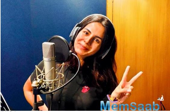 Kirti Kulhari is back in the Studio; Starts dubbing for her next film