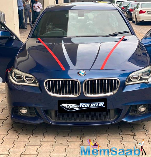 Sharing the news about his new ride with his followers, Asim Riaz posted a picture of the car on Instagram.