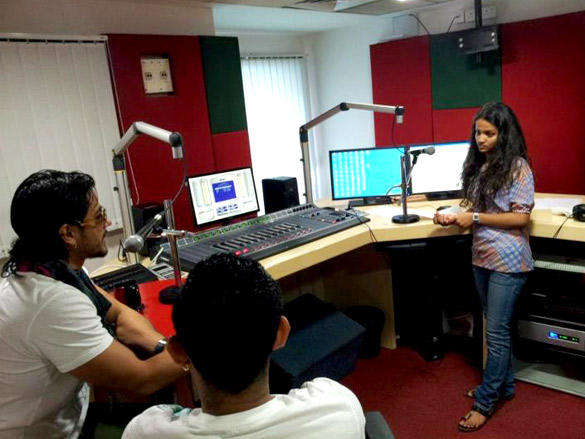 Kunal Khemu at 98.3 FM For Promote His Film Blood Money