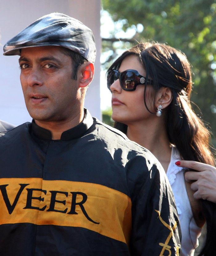Salman Khan and Zarine Khan Promotes Veer at Race Course