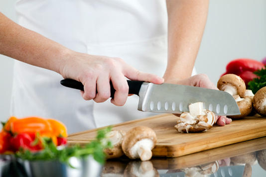 5 Reasons Why You Must Learn To Cook