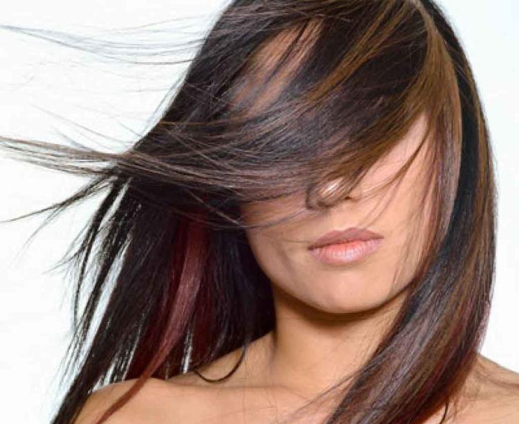 How to DIY Your Hair Highlights