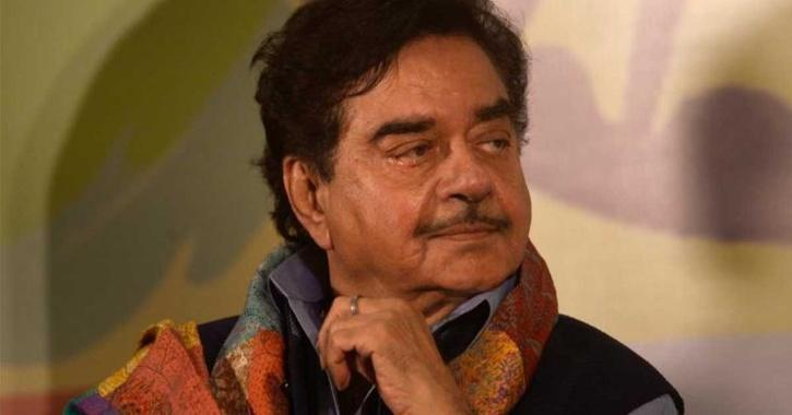 Shatrughan Sinha Backs Kangana, Slams Bollywood Bigwigs!