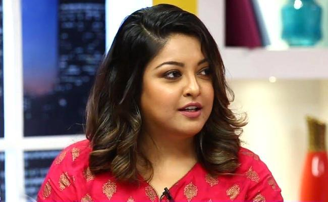 Ladies of Bollywood Extend Support to Tanushree Dutta.