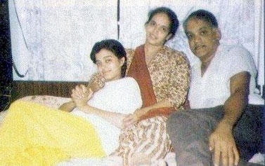 Teenage Aishwarya Rai With Mom And Dad