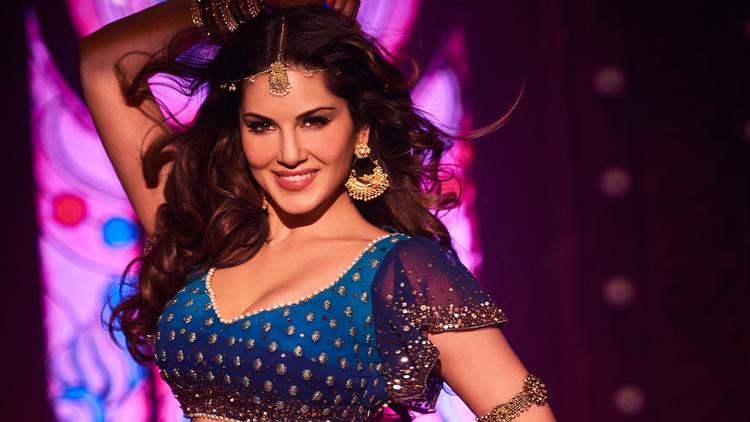 Sunny Leone at Loggerheads with SGPC, Can't Use Her Real Name!